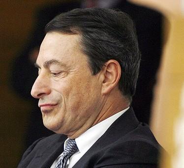 Draghi: salveremo l'euro. E le borse volano (Milano +5,6)