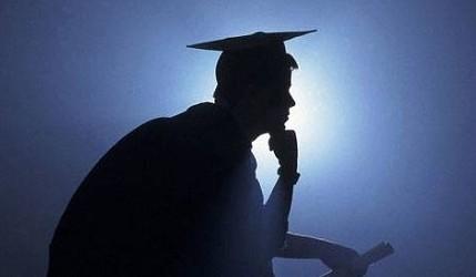 Dibattiti / 4 laureati su 10 non lavorano. Le storie