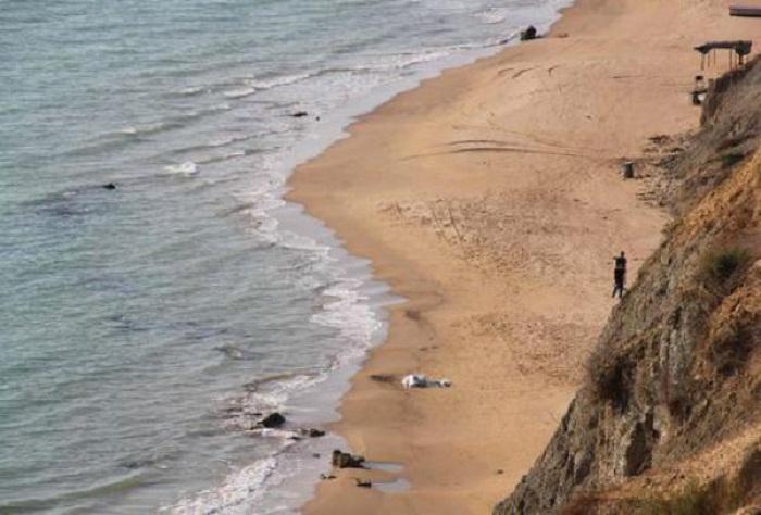Bimba muore soffocata in una buca scavata sulla spiaggia