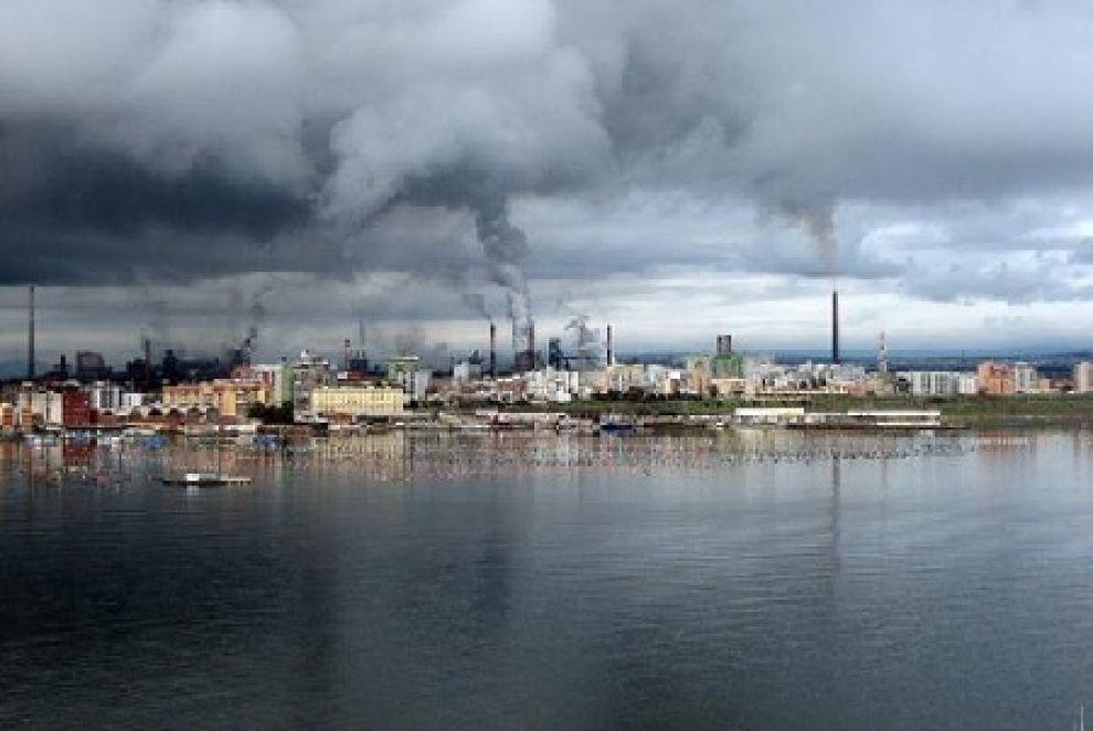 La denuncia / L'Ilva di Taranto, fabbrica di morti