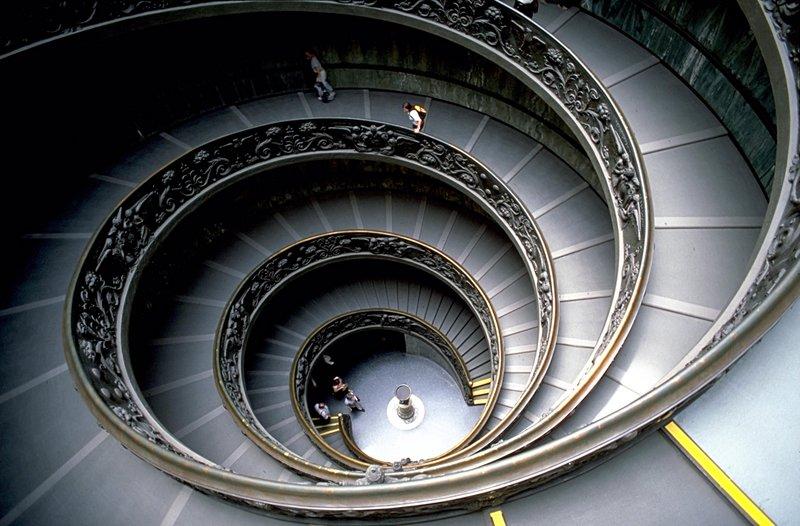 Giallo in Vaticano: continua l'indagine, dopo l'estate la svolta