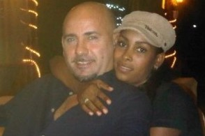 Agguato a Milano nella folla: due le vittime, graziata la figlia