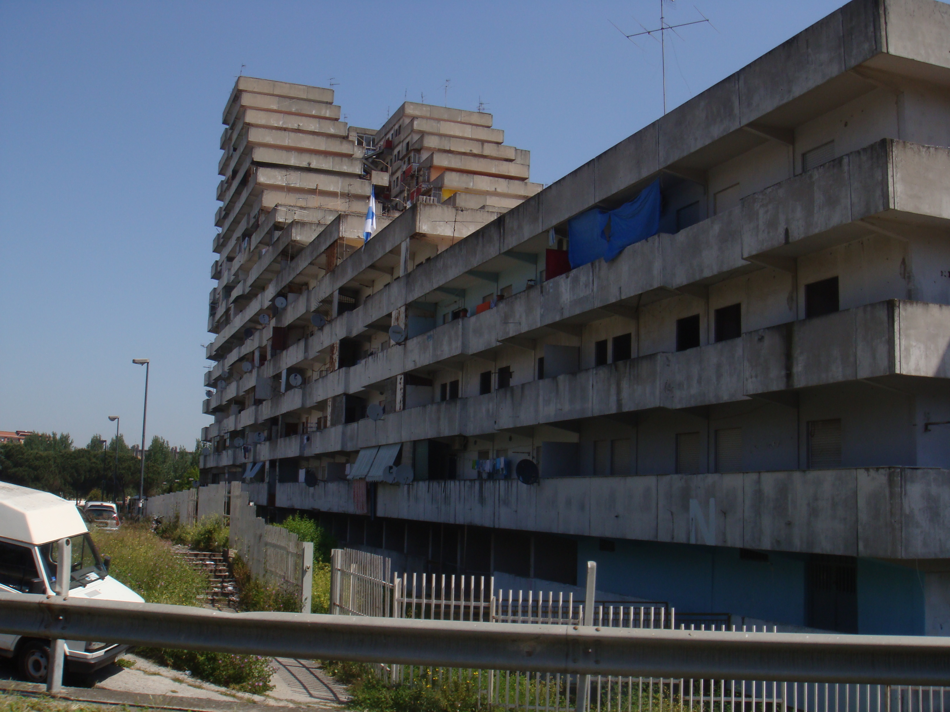 Scampia, case al mercato nero e compravendita alloggi Iacp
