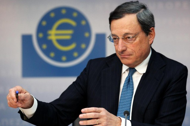 Draghi sfida la Germania: acquisti illimitati di bond dalla Bce