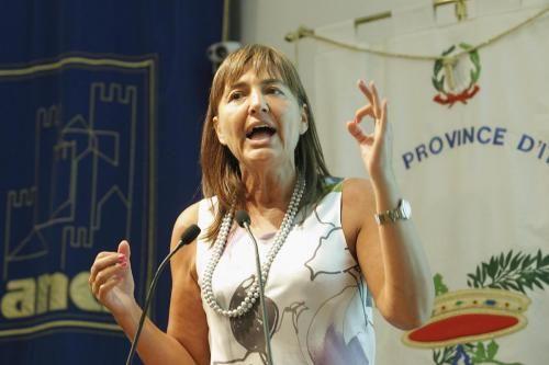L'ira della Polverini: ripulire il Pdl. Ma lei guarda all'Udc