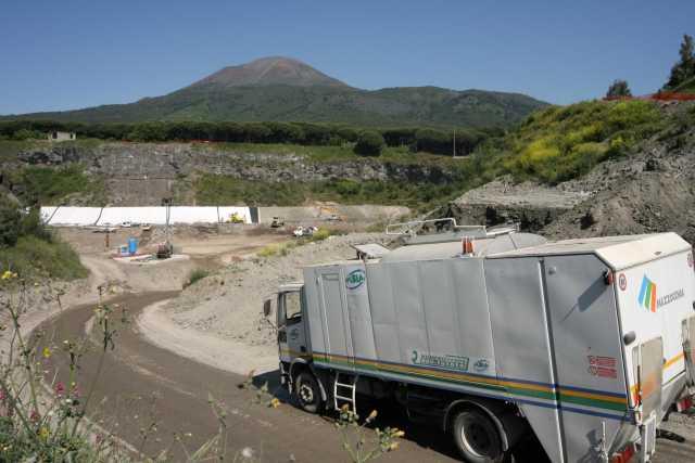 Rifiuti in Campania, ok alle discariche e a due termovalorizzatori