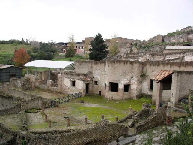 Allarme a Pompei, crolla una trave di Villa dei Misteri