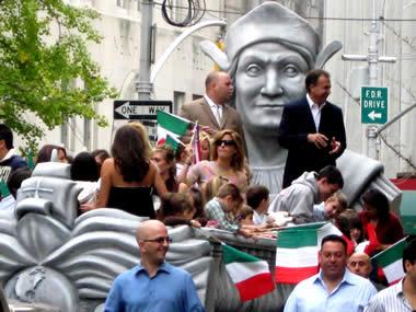 La sfilata del Columbus Day non conosce austerity