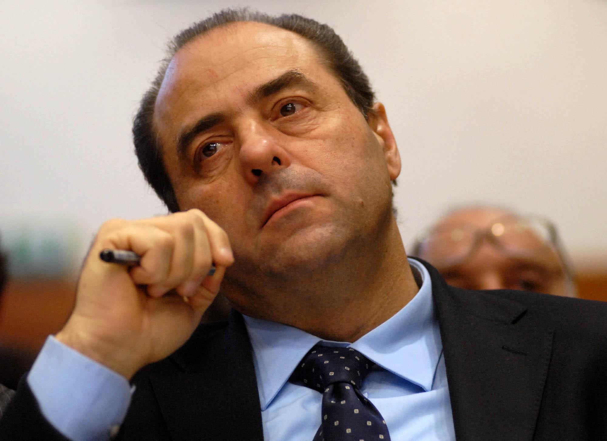 Tira male per Di Pietro, troppe proprietà e poca democrazia nell'Idv