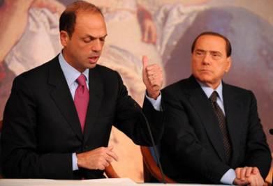 Berlusconi è stanco anche di Alfano: gli vuole mollare il partito