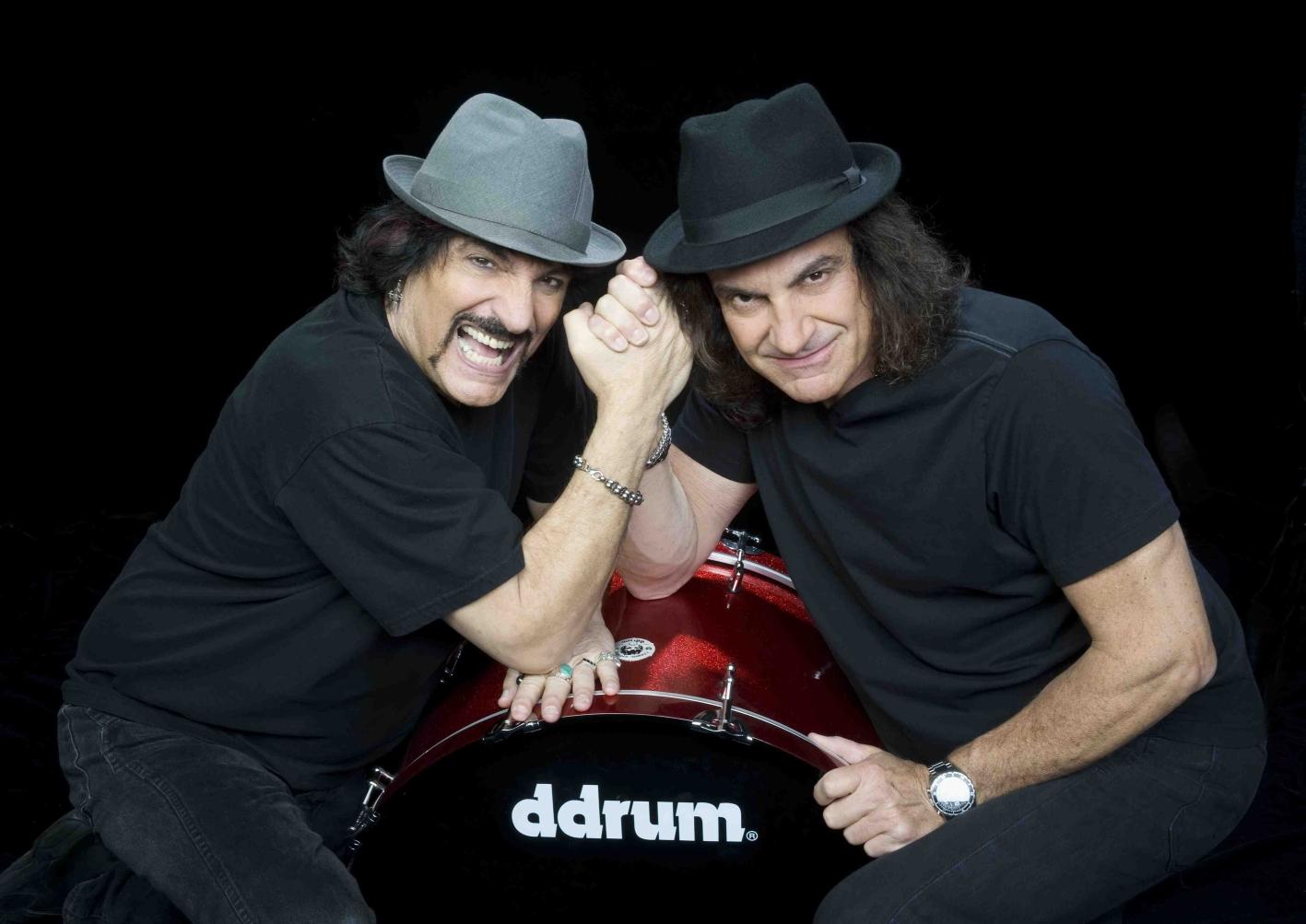 Trianon, Appice e Tony Esposito in un'appassionante guerra di percussioni