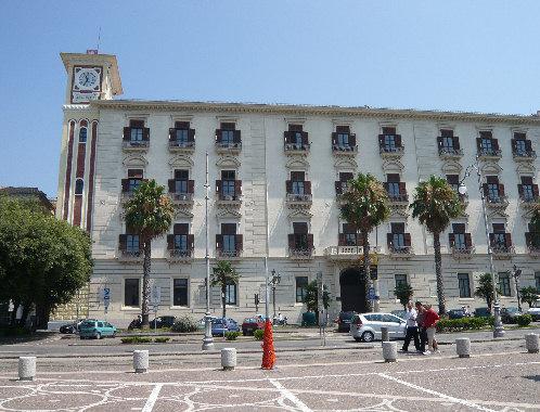 """Bufera a Salerno: Cirielli """"decade"""", ma solo per poter restare"""