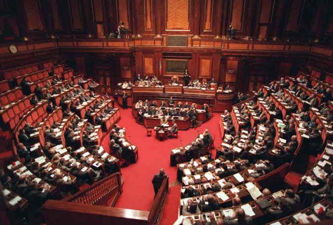Giornalisti, il Senato media e sulle multe si tenta di dimezzarle