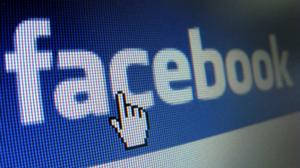 Facebook punta sull'e-commerce con Collections: come cambia