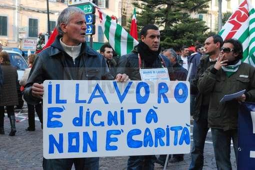 Fiat Pomigliano / Scalzone sotto la tenda degli operai in Cig