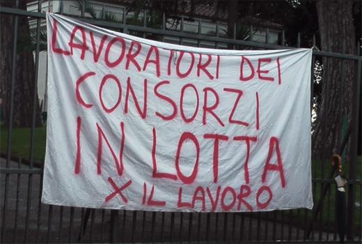 Niente stipendi, i lavoratori bloccano il termovalorizzatore