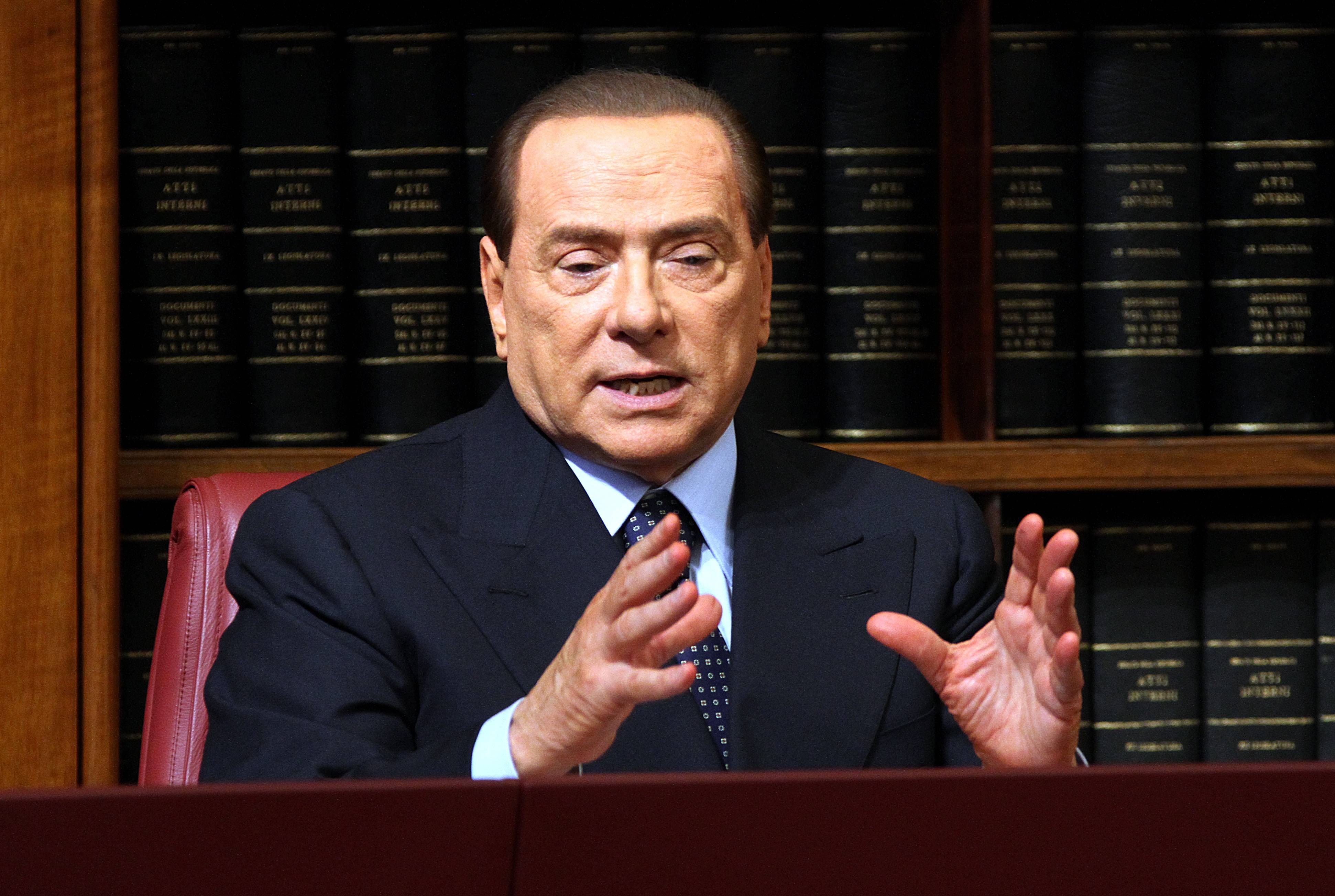 Berlusconi vuole far cadere il Governo: in Italia comandano i giudici