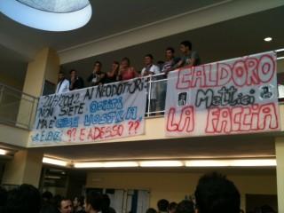 Studenti e docenti uniti per riaprire medicina a Salerno