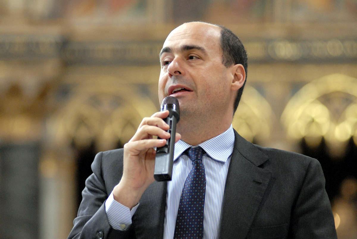 Lazio, Zingaretti fa il messia: emergenza democratica, mi candido