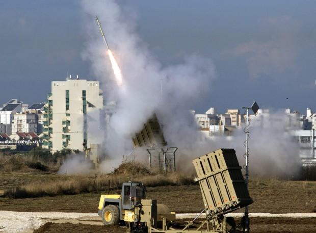 Venti di guerra dalla strage di Gaza: 16 morti