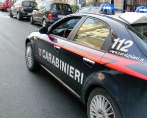 Uccide la mamma a coltellate, arrestato 40enne di Salerno