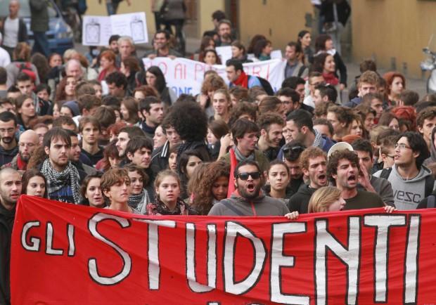 """Studenti e professori preparano """"l'assedio"""" a Montecitorio"""