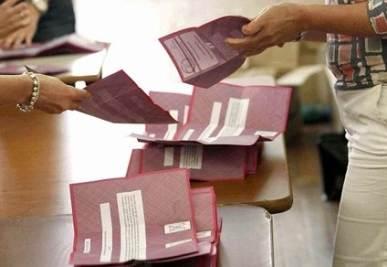 """Legge elettorale: Pdl, Udc e Api alzano la soglia del """"premio"""""""