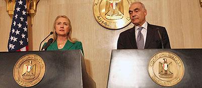 Hillary Clinton annuncia la tregua a Gaza ma il fronte resta caldo