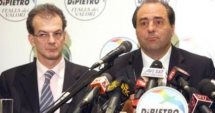 Faida nell'Idv e Bersani boccia il ticket Di Pietro-Grillo