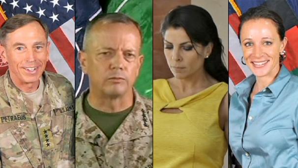 """Petraeus, il triangolo diventa """"pentagono"""". Ma non convince"""