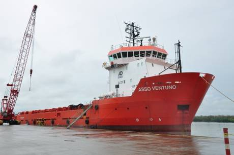 Ore difficili per le famiglie dei tre marinai campani sequestrati