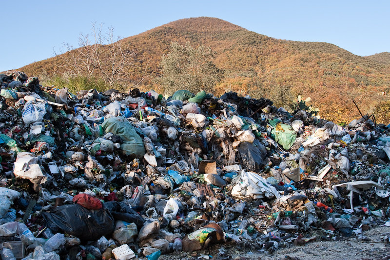 Ecco come venivano sversati in Campania i rifiuti del Nord