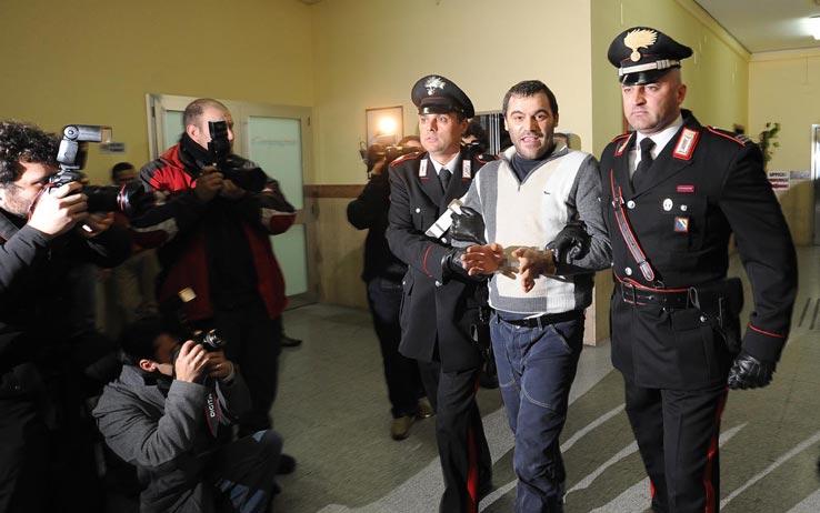 Diagnosticarono la cecità per Setola: arrestati medico e avvocato