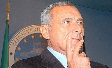 Il Procuratore antimafia Grasso sarà candidato col Pd