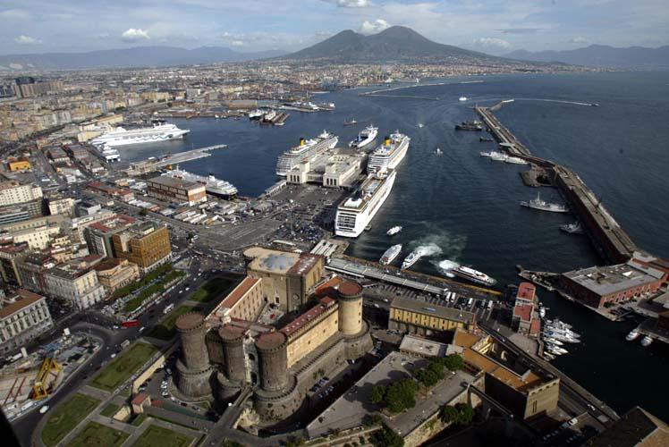 Villari e Bobbio si contendono l'Autorità portuale di Napoli