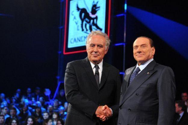 """Vittoria di Pirro del Cavaliere nella """"fattoria"""" di Santoro"""