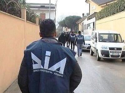 Clan e appalti, arrestato imprenditore salernitano