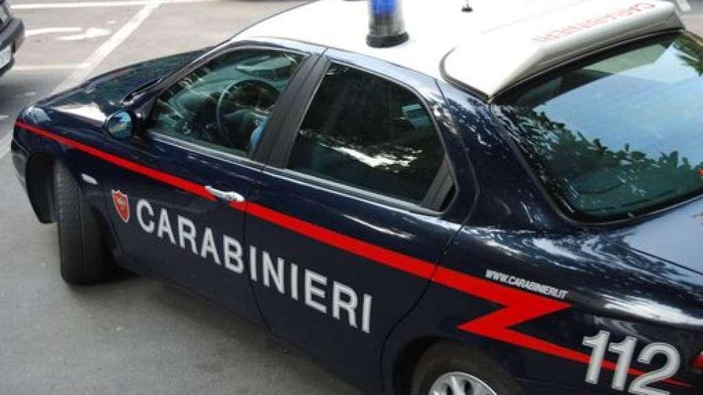 Truffa della benzina a Salerno, tra i 20 arrestati anche 3 poliziotti