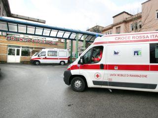 Studente di 19 anni stramazza al suolo e muore in classe a Benevento