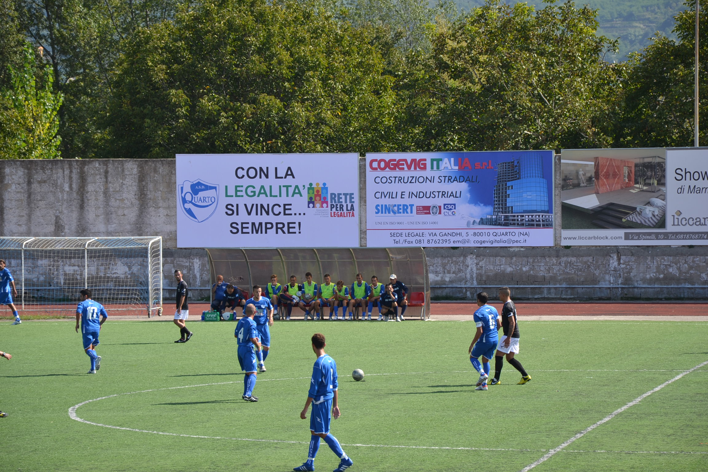 Quarto, raid vandalico nella sede della squadra di calcio anti-camorra