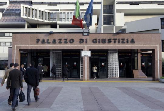 """""""Aggiustavano"""" fascicoli processuali, raffica di arresti a Napoli"""