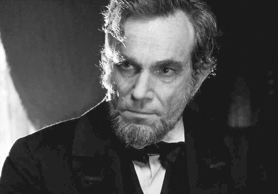 """Il """"Lincoln"""" di Spielberg e l'ideale politico sbriciolato dal potere"""