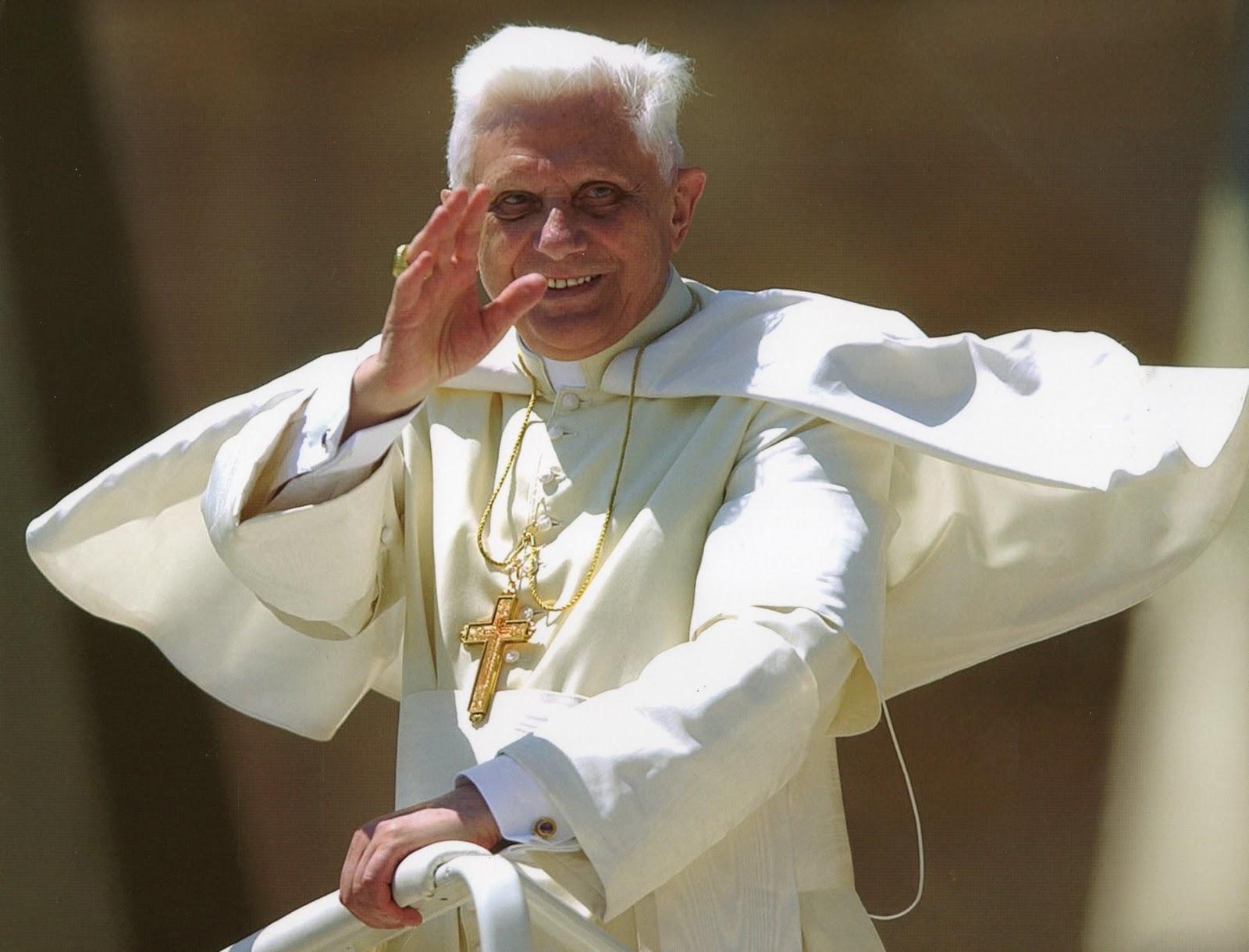 Ricatti, peccati, sesso e potere dietro le dimissioni del Papa