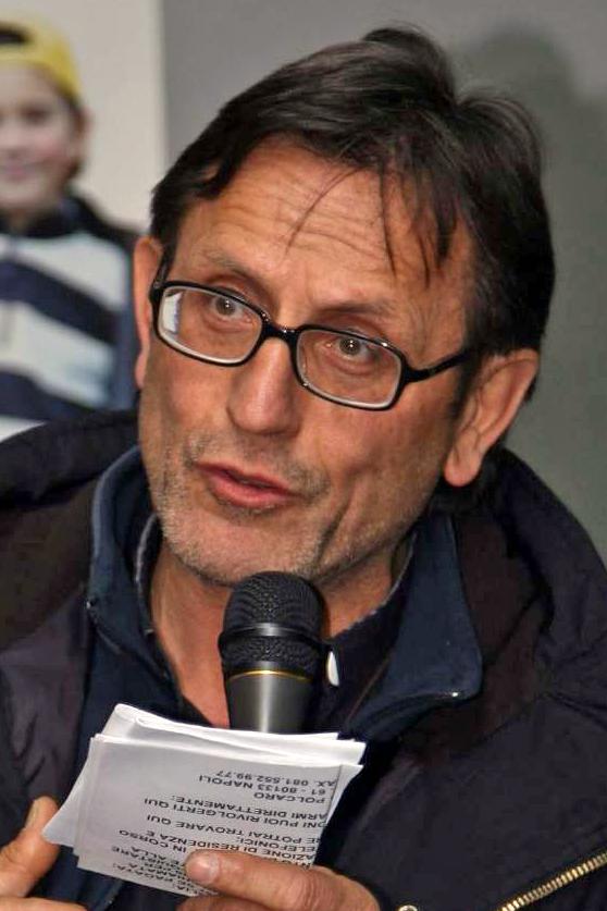 """Don Manganiello: """"A Scampia non servono i muscoli dello Stato"""""""