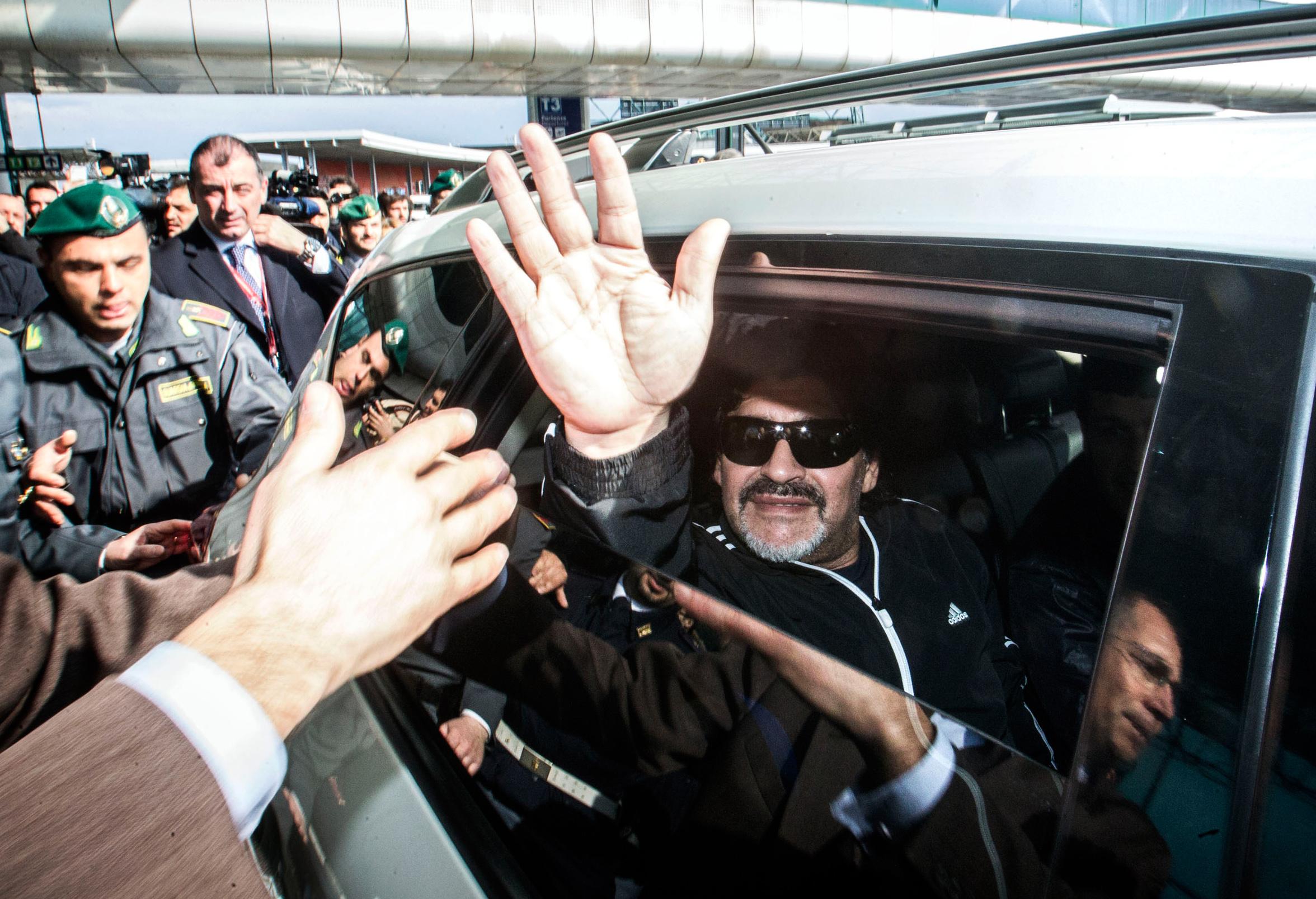 Se la politica italiana somigliasse un po' di più a Maradona…