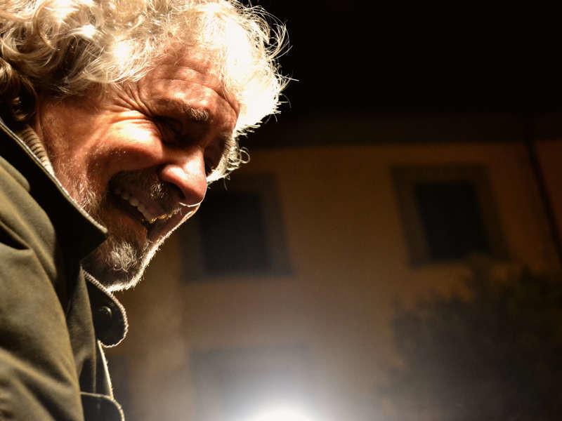 """Grillo contro L'Unità: racconta soltanto """"balle quotidiane"""""""