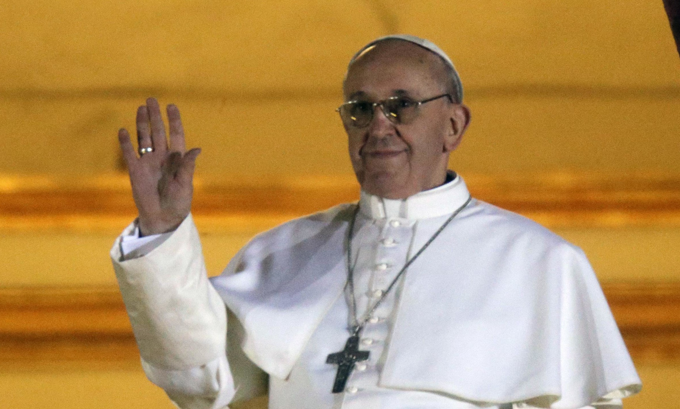 """Sfonda"" Papa Francesco con 5 milioni di follower"