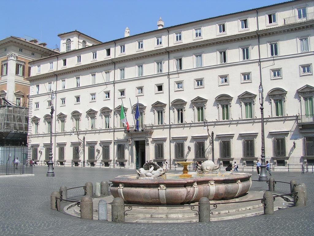 In arrivo l'incarico, Napolitano vara il non-cambiamento