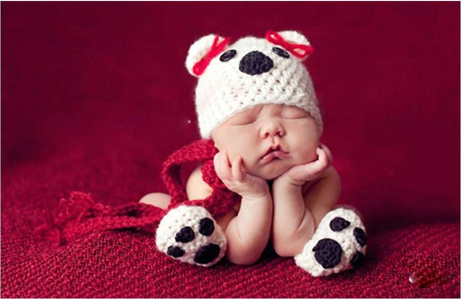 E così il neonato, dopo il primo vagito, già finisce su Facebook