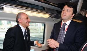 De Luca a bordo del bus di Renzi